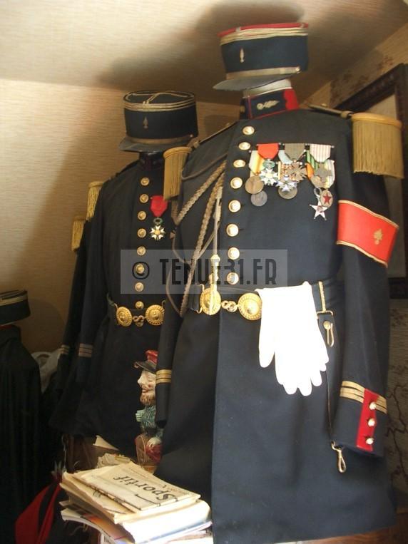 grande tenue officier uniforme sortie parade modèle 31 1931 képi armée ceinturon bottines lieutenant capitaine commandant chef bataillon colonel général