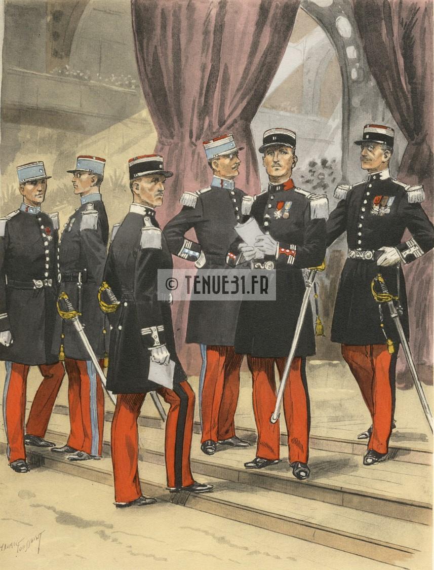 L'officier de cuirassiers est le deuxième en partant de la droite.