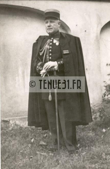 grande tenue officier uniforme sortie parade modèle 31 1931 képi armée ceinturon bottines lieutenant capitaine commandant chef bataillon colonel général infanterie métropolitaine état major