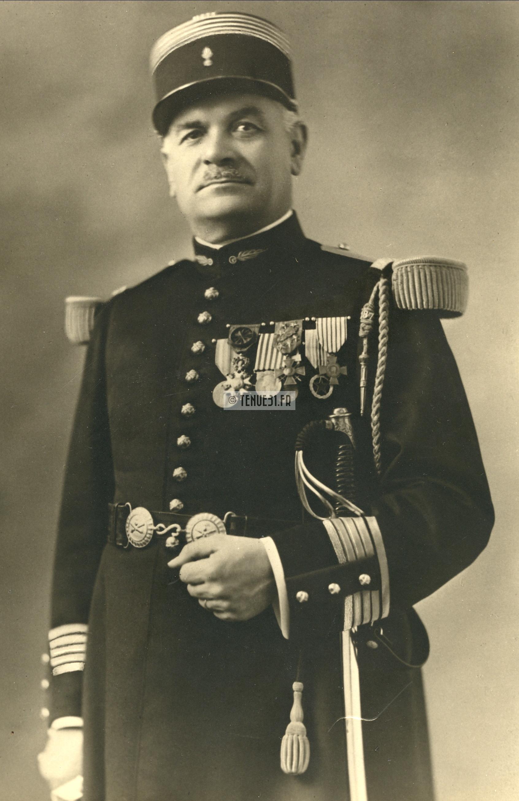 Colonel d'artillerie