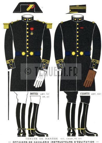 Uniforme des officiers instructeurs du cadre noir.