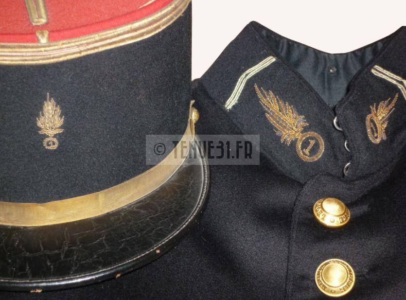Ensemble d'un Lieutenant du 1er Régiment Etranger d'Infanterie. Légion étrangère.