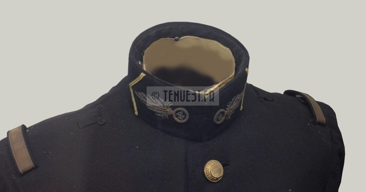 Uniforme grande tenue officier français modèle 31 1931 Légion étrangère 4ème REI