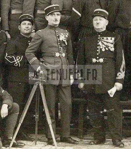 4e régiment de zouaves sous-lieutenant, lieutenant et capitaine.