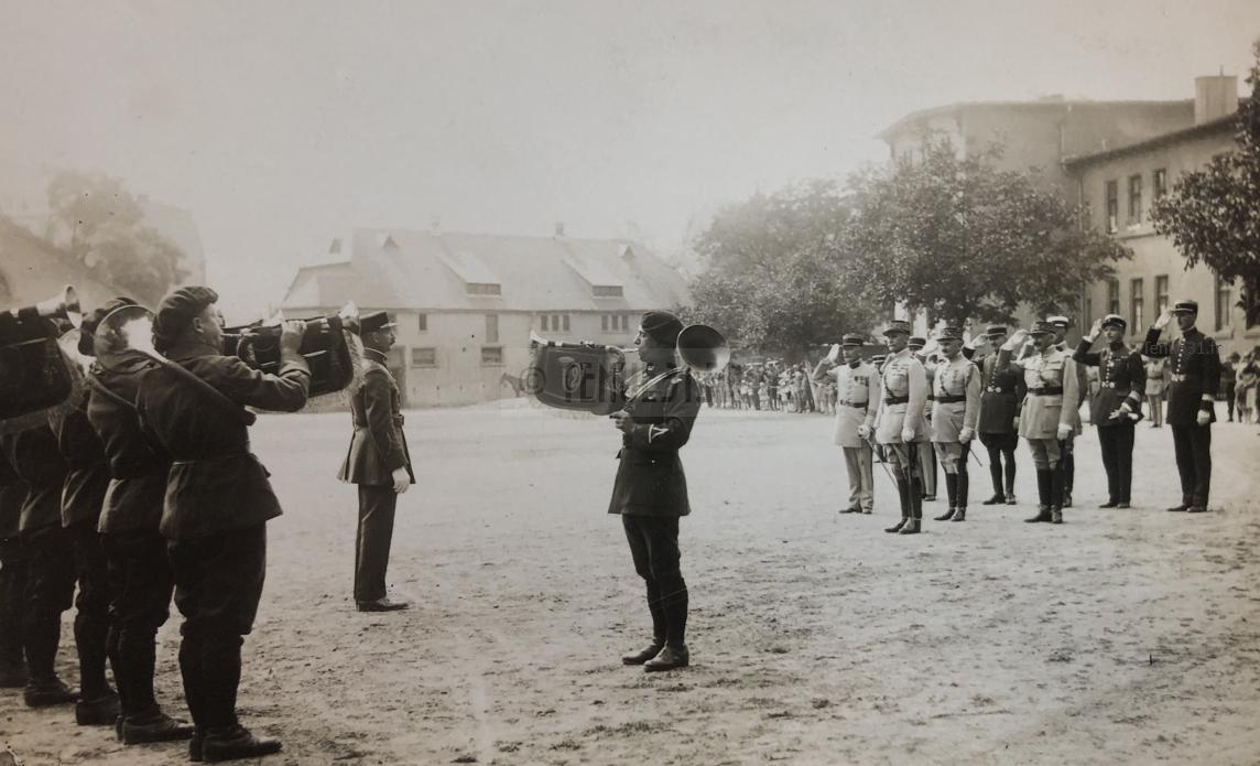 Chef de Bataillon DE GAULLE du 19e BCA et fanfare 12e BCP