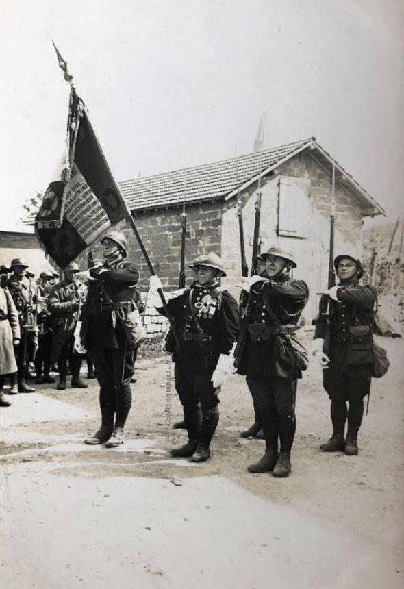 Drapeau des chasseurs à Valdahon 1er BCP